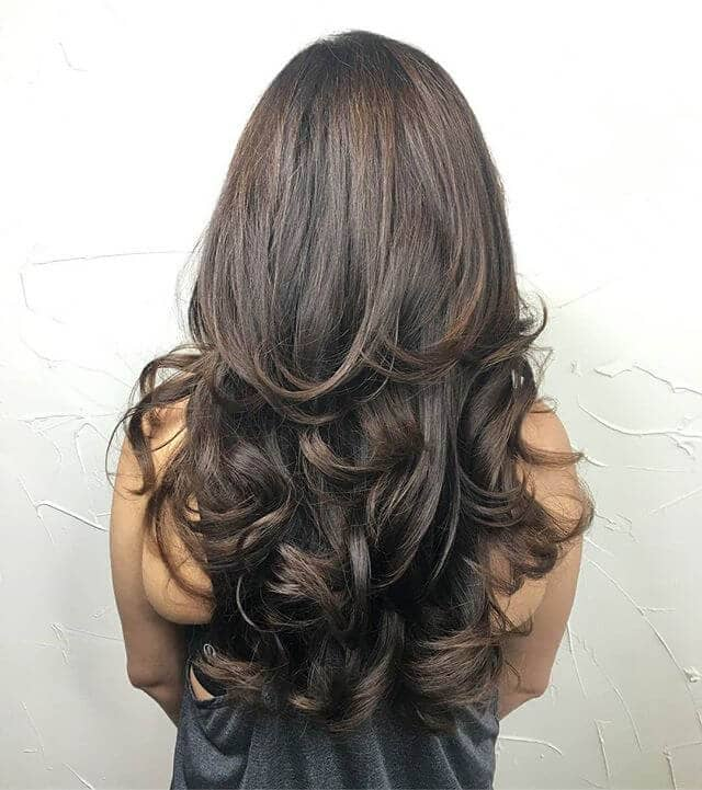 Long Cocoa Hair with Wavy, Natural Layers