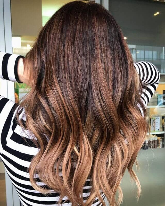 Flowing Shoulder-length Layered Look with Tips