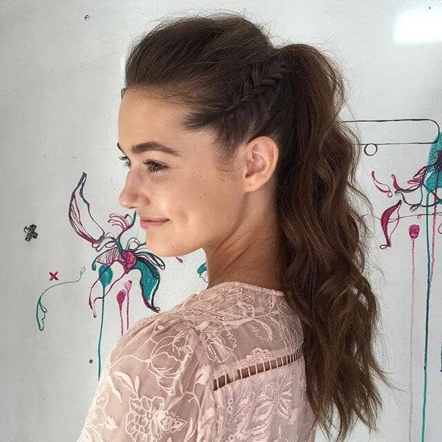 Ponytail Hairstyle with Reverse Fishtail Outline