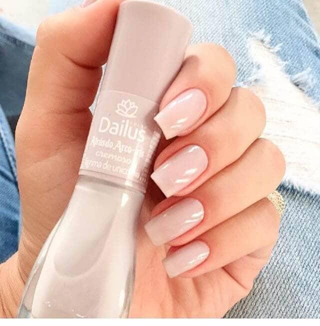 Modern Meets Feminine with This Natural Nail Idea