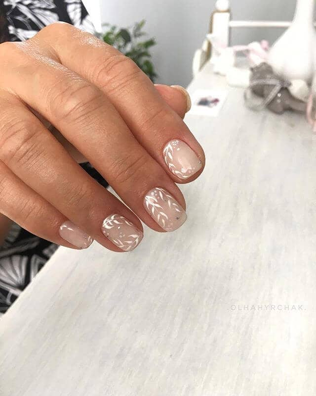 Oh-So-Pretty Delicate Leaf Nude Nails Design