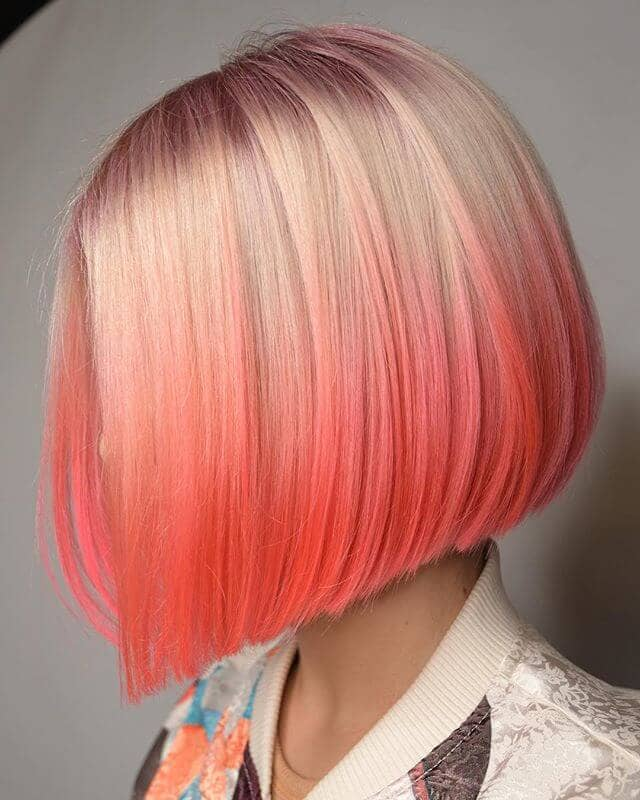 Chic Light-to-Dark Pink Bayalage Angled Bob