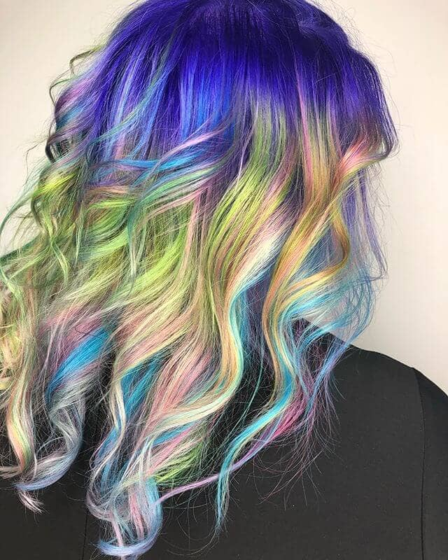 Iridescent Blue-to-Green Shift in Long Curly Streaks