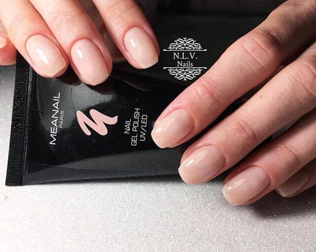 Natural Nail Designs with Minimal Effort