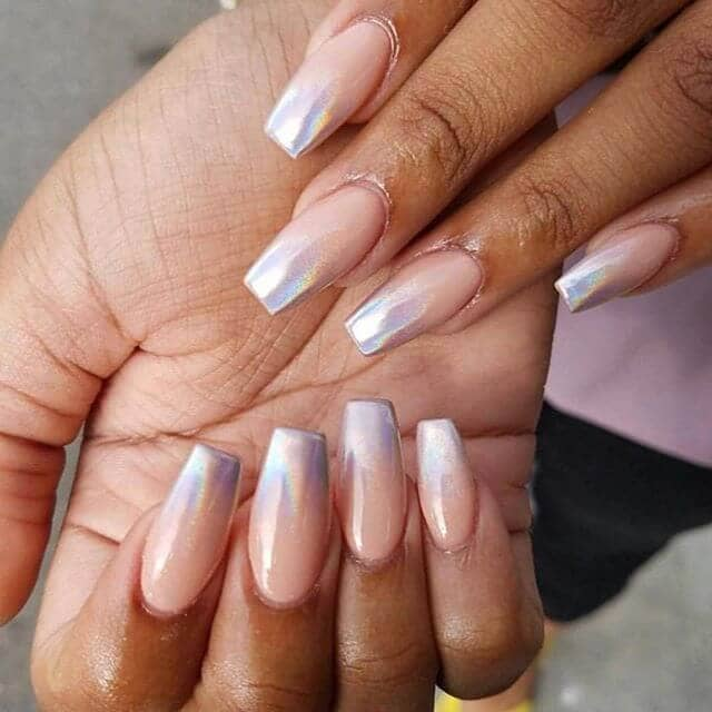 Trendy Mirrored Metallic Nails That Will Rock Your World