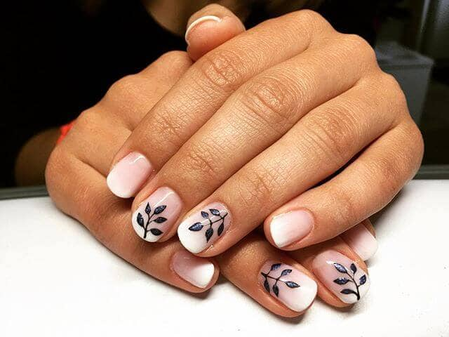 Abstract Artsy Accent Nails that Pop