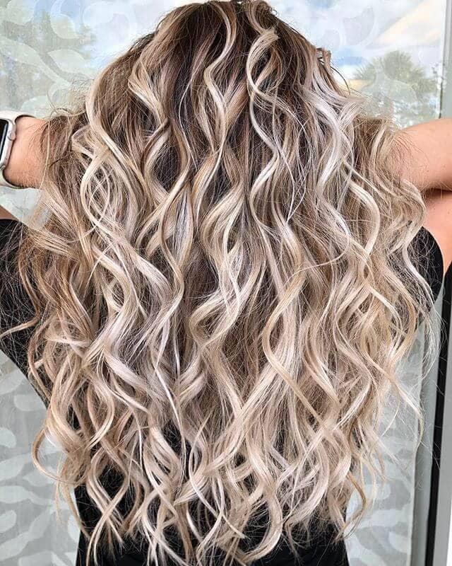 Messy Platinum Blonde Highlight Waves