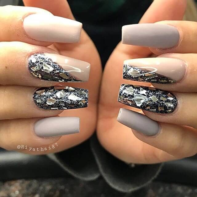 Glam and Glitz for the Extroverted Personality