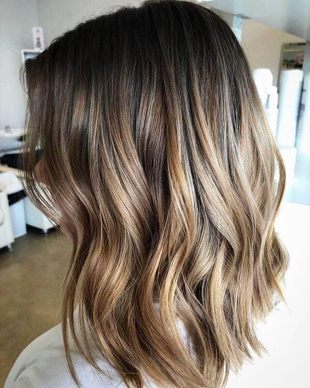Peachy Blonde Gradient Highlights in Short Hair