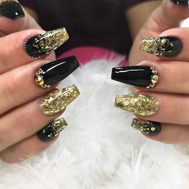 Accessorize Your Nails with a Gold Foil Manicure