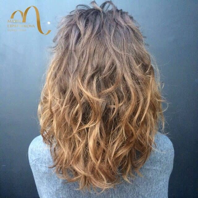 Simple Yet Effective Wavy Perm Hair
