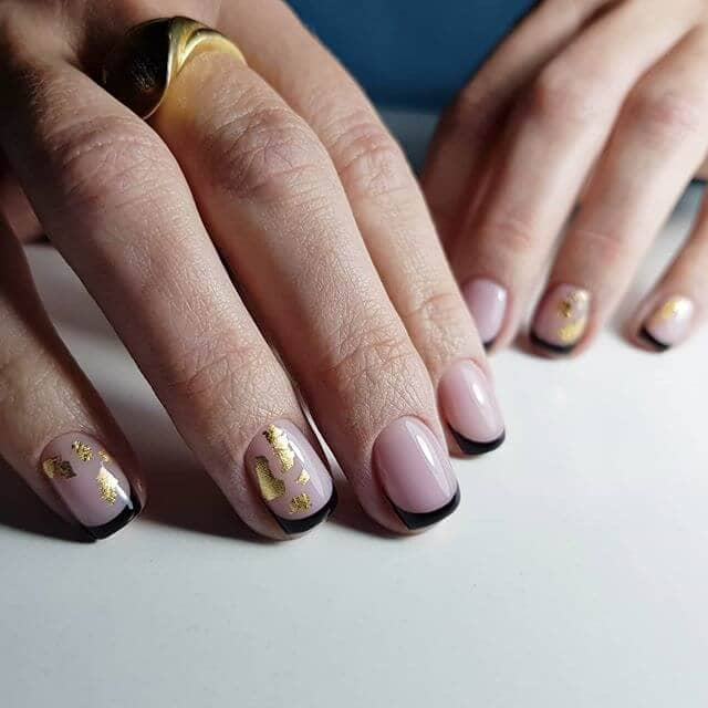Currently Crushing on Minimalist Nail Art