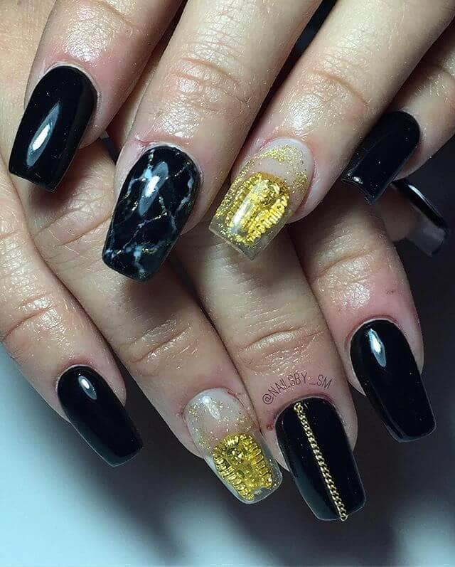 Edgy Egyptian Inspired Glossy Manicure