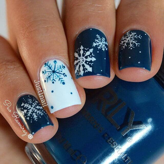 Cozy and Festive Wintery Nail Art