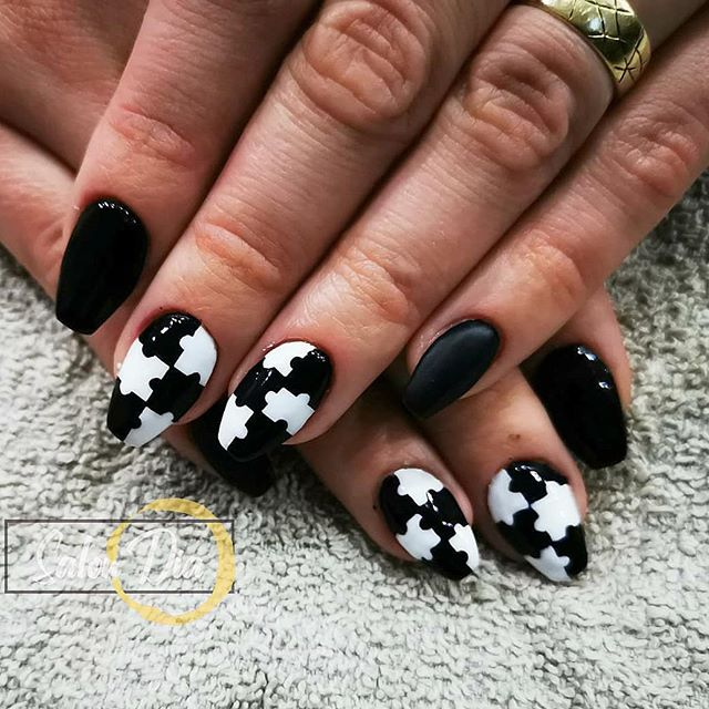 Black And White Delicate Puzzle Nails