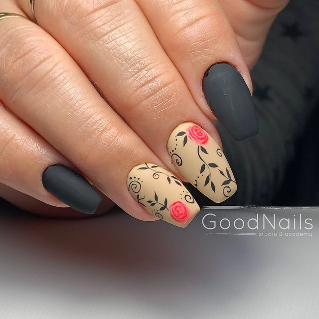 Mismatch Floral Nail Design