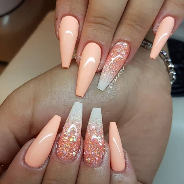 Perfectly Peach Design with Shimmering Accent Nails