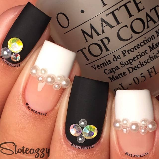 Pretty Square-Tips with Pearls and Gems