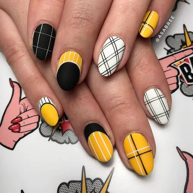Clueless Inspired Black and Yellow Polish with Graphic Lines
