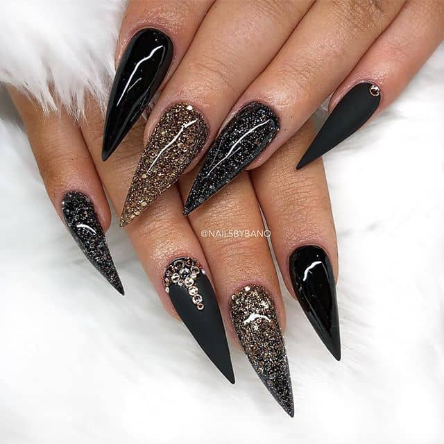 Fine-Tipped Natural Stone Nails With Glitter