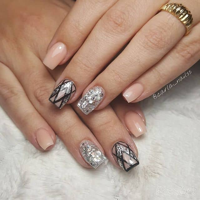 Glamorous Silver Glitter and Black Outline Nail Art