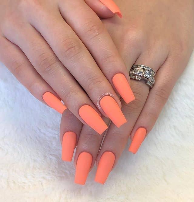 Trendy Matte Nails in Pastel Orange