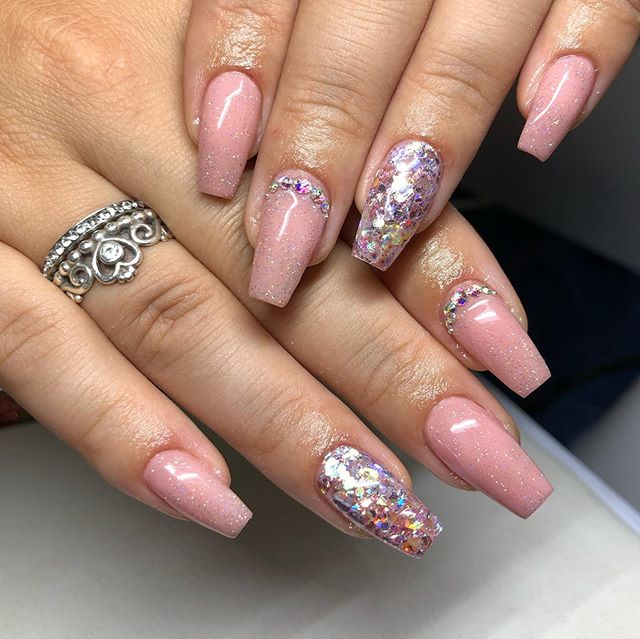 Multiple-Colored Extraordinary Nail Color