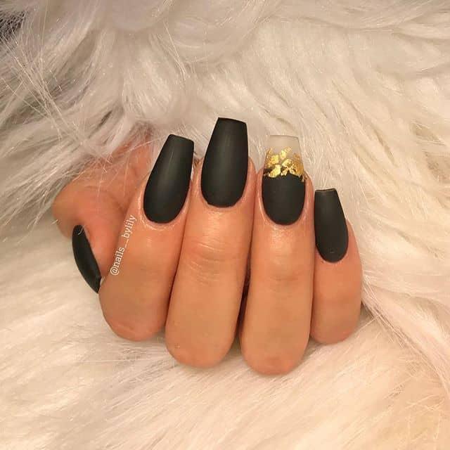 Elegant Velvet Matte Topcoat Nails