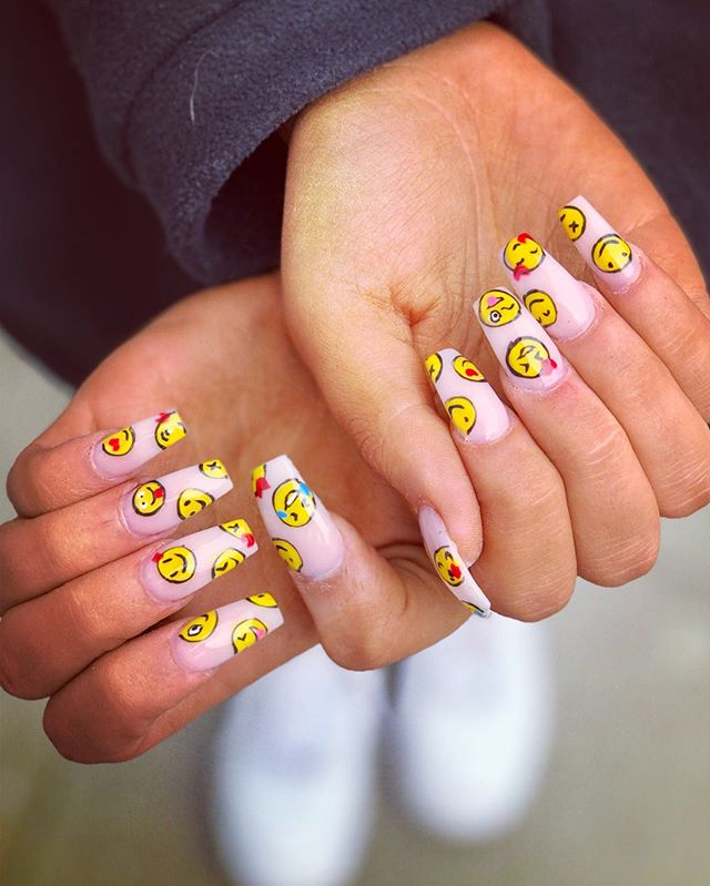 Extraordinary and Unique paint nail design