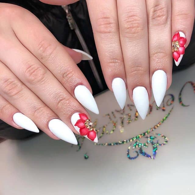 Stiletto Nails in White Matte with Poinsettias