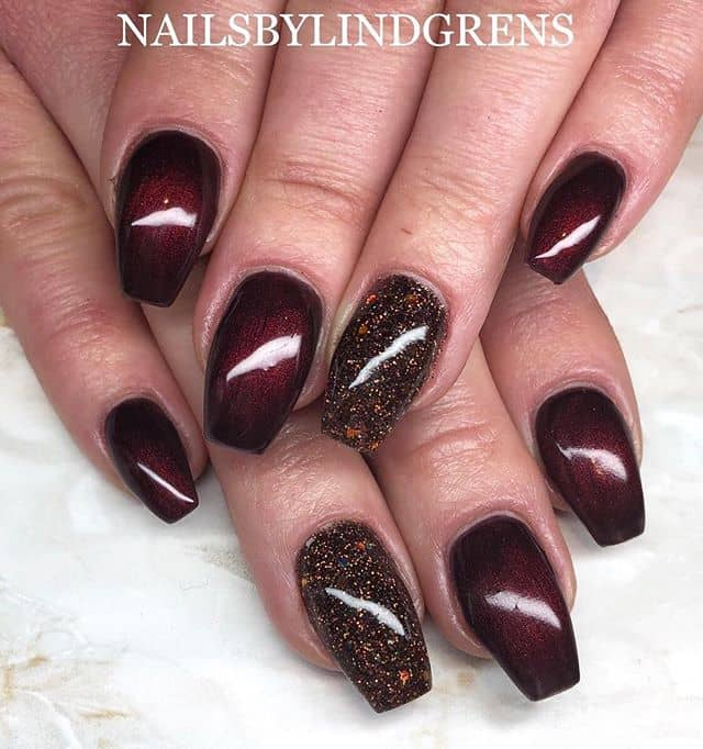 Subtlety is Key with Nails by Lindgrens