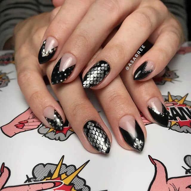 Cute Chivalrous Arrowhead Nails with Gemstone Accents