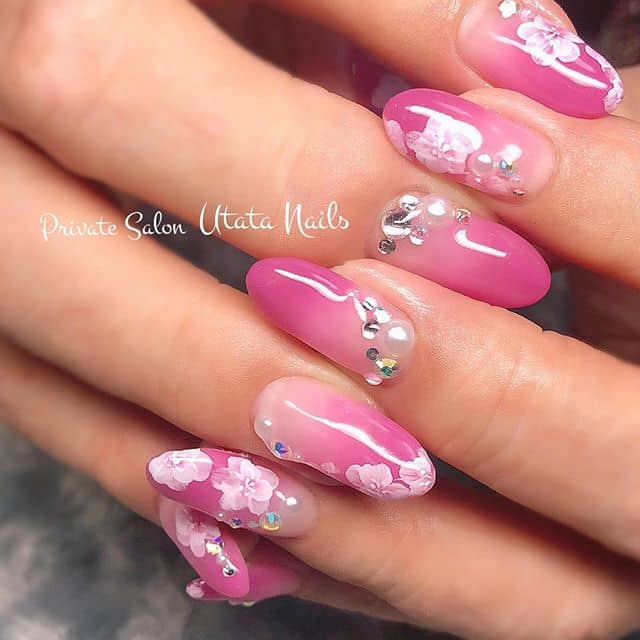 Glossy, Pretty Ombre Pink Flower Nails