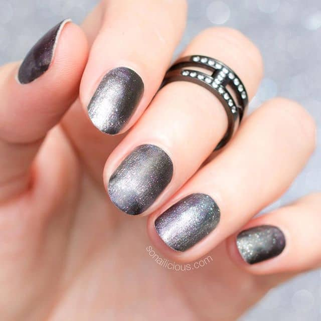 Metallic Silver Nail Ideas for Everyday