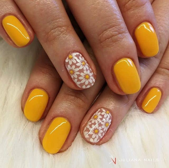 Cute Mustard Yellow and Daisies