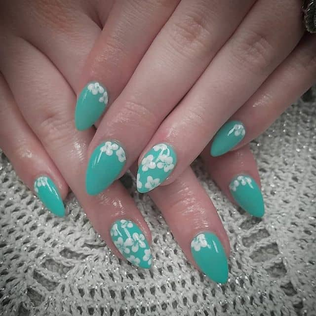 Pretty Jade and White Flower Nail Art