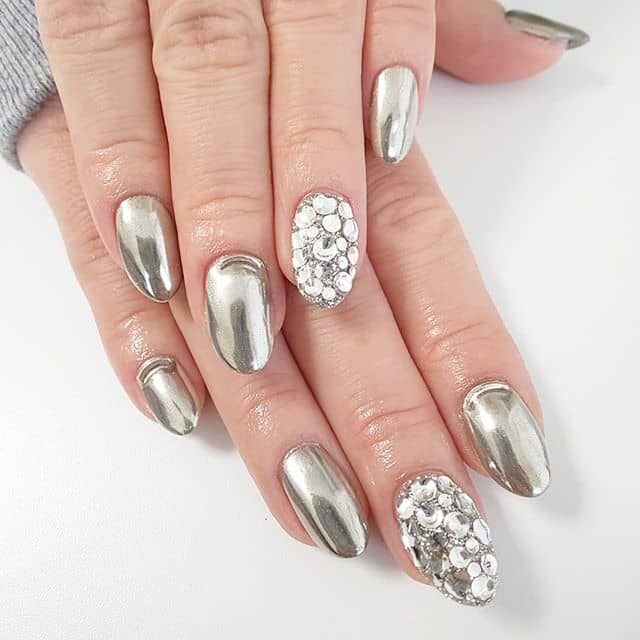 Metallic Gemstone Rounded Silver Nails