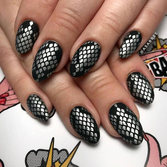 Black and Silver Scales Design
