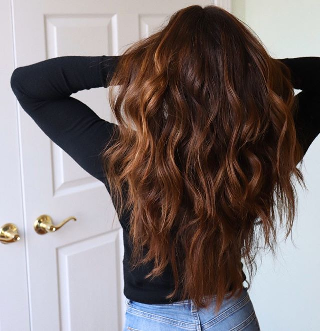 Voluminous Loose Ring Curls with Melted Honey