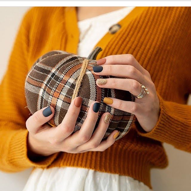 Autumn Plaid-Inspired Fall Nail Colors