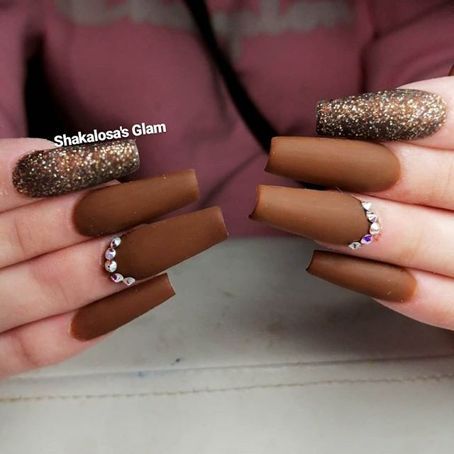 Glamorous Brown with Shimmery Accent Nails