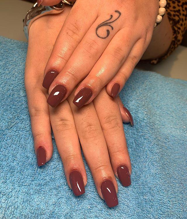 Glossy Dark Maroon Nails