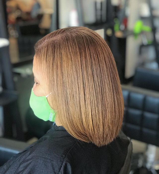Attractive Bob with Gold Highlights