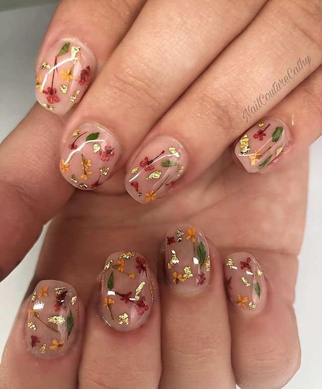 Absolutely Adorable Dried Flowers and Gold Leaf