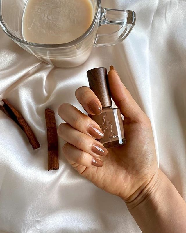 Sweet and Spicy Cinnamon Stick Nails