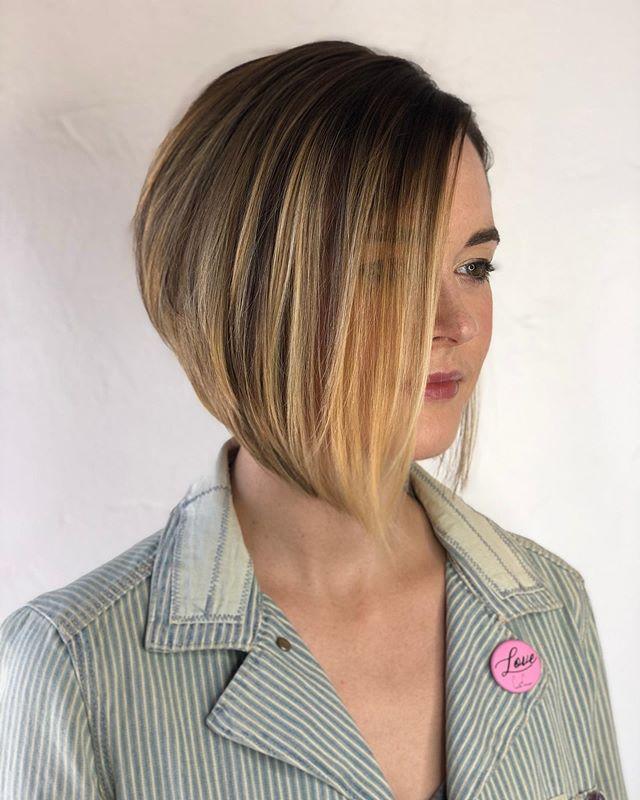 Stunning Straight Asymmetrical Bob Hairstyle Idea