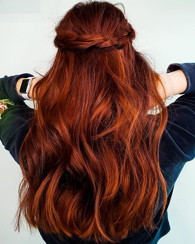 One of the Best Red Hair Color Ideas with Lots of Volume