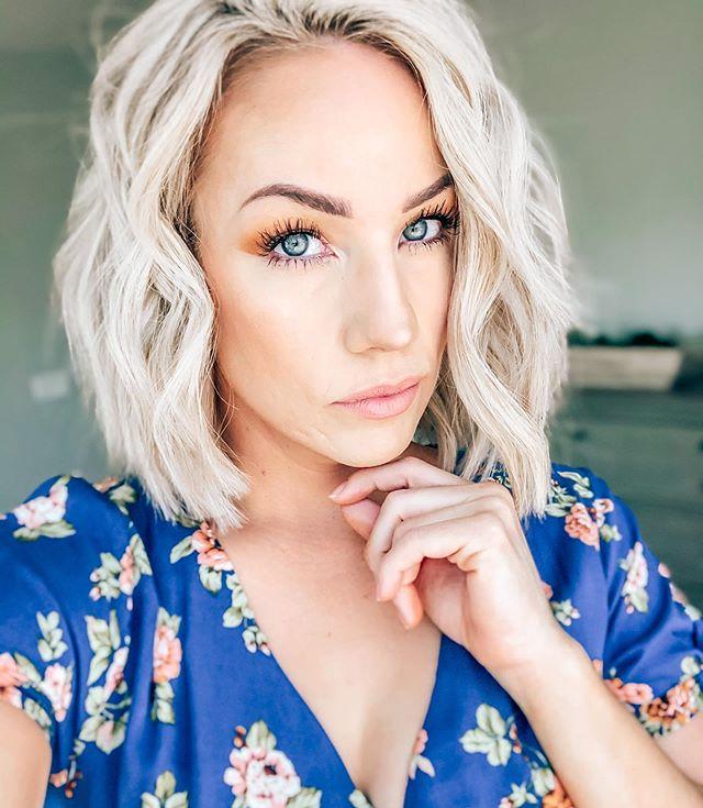 Bleach Blonde Best Short Wavy Hair Ideas