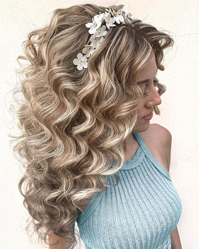 Big, Dreamy Romantic Curls And Flower Crown