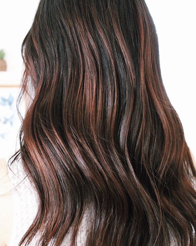 Professionally Styles Highlights For Dark Hair